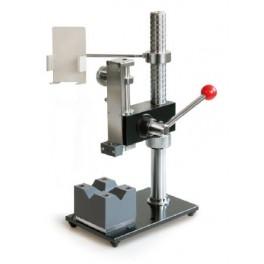 Banc d'essai à levier pour mesures d'épaisseurs de couche, en particulier d'objets ronds